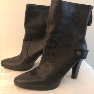 Vera Wang Dark Brown Boots